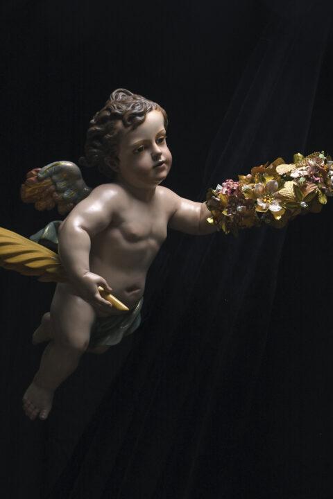 Ángel coronando a Sta. Bárbara.